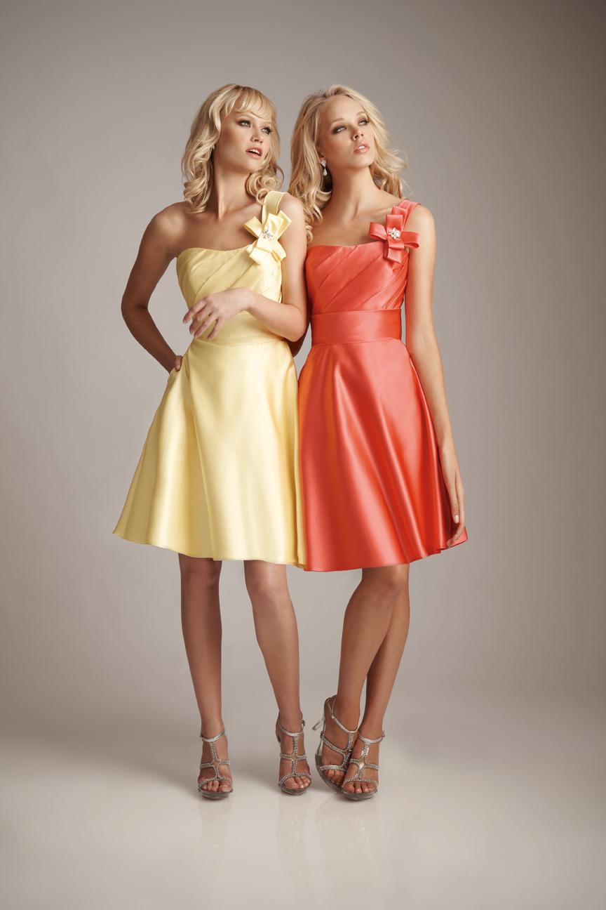 Женские платья на свадьбу для гостей
