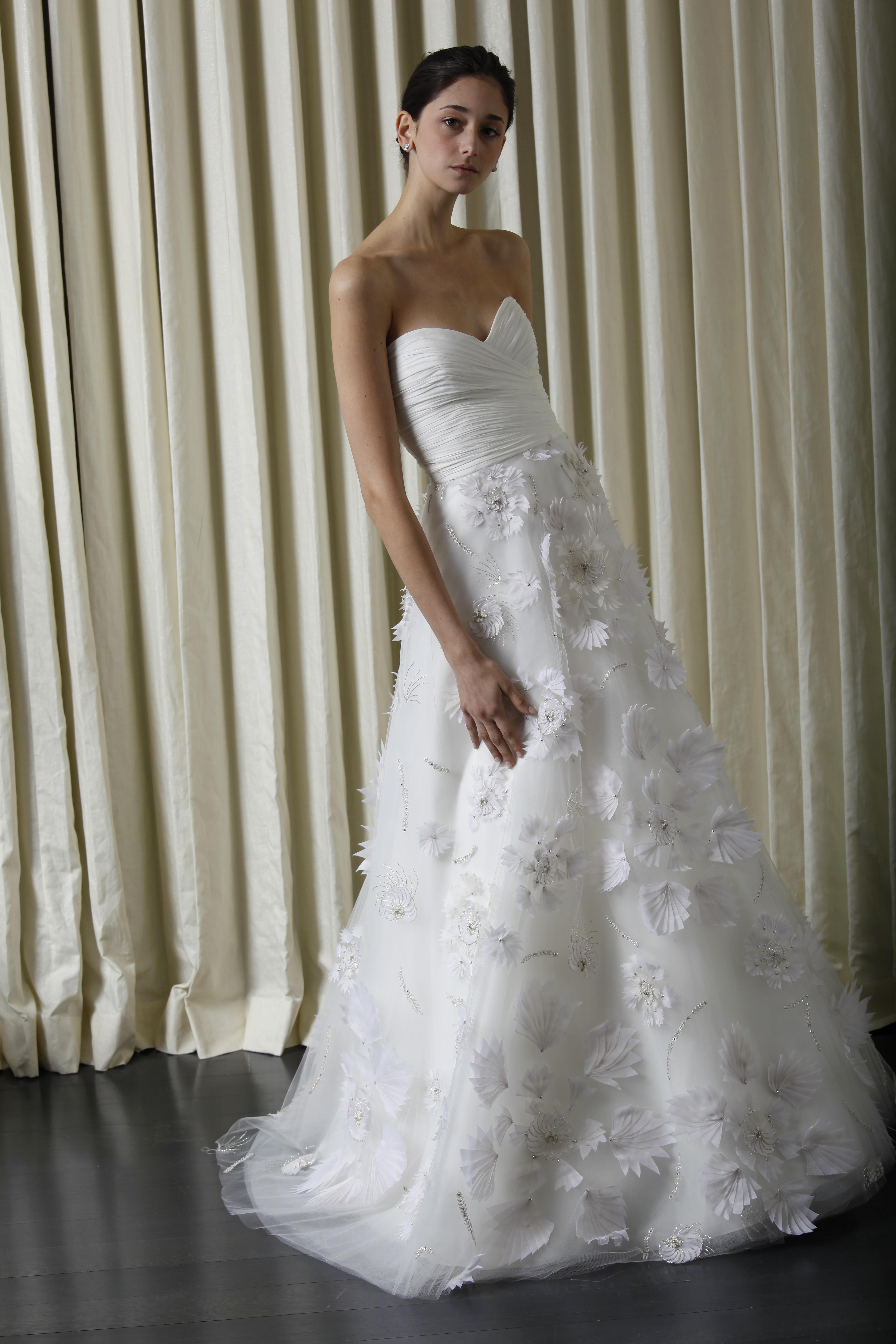 Фото девушки в свадебном 4 фотография